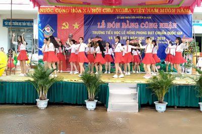 Trường TH Lê Hồng Phong, xã cư ni tổ chức lễ đón nhận trường đạt chuẩn Quốc gia mức độ I và tổng kết năm học năm 2018 – 2019.